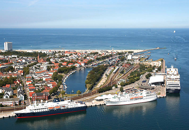 Warnemuende cruise port